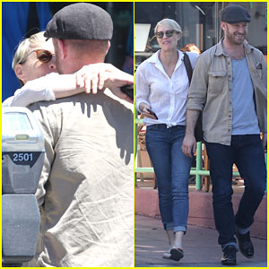 Robin Wright & Ben Foster Show Some PDA