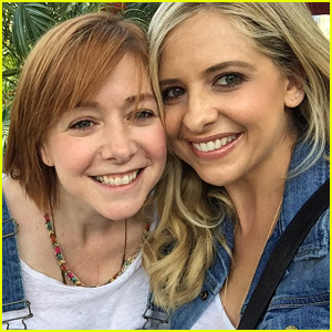 Sarah Michelle Gellar & Alyson Hannigan Had a 'Buffy the Vampire Slayer' Reunion!
