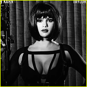 Selena Gomez Shows Off Tons of Cleavage In Taylor Swift's 'Bad Blood' Music Video
