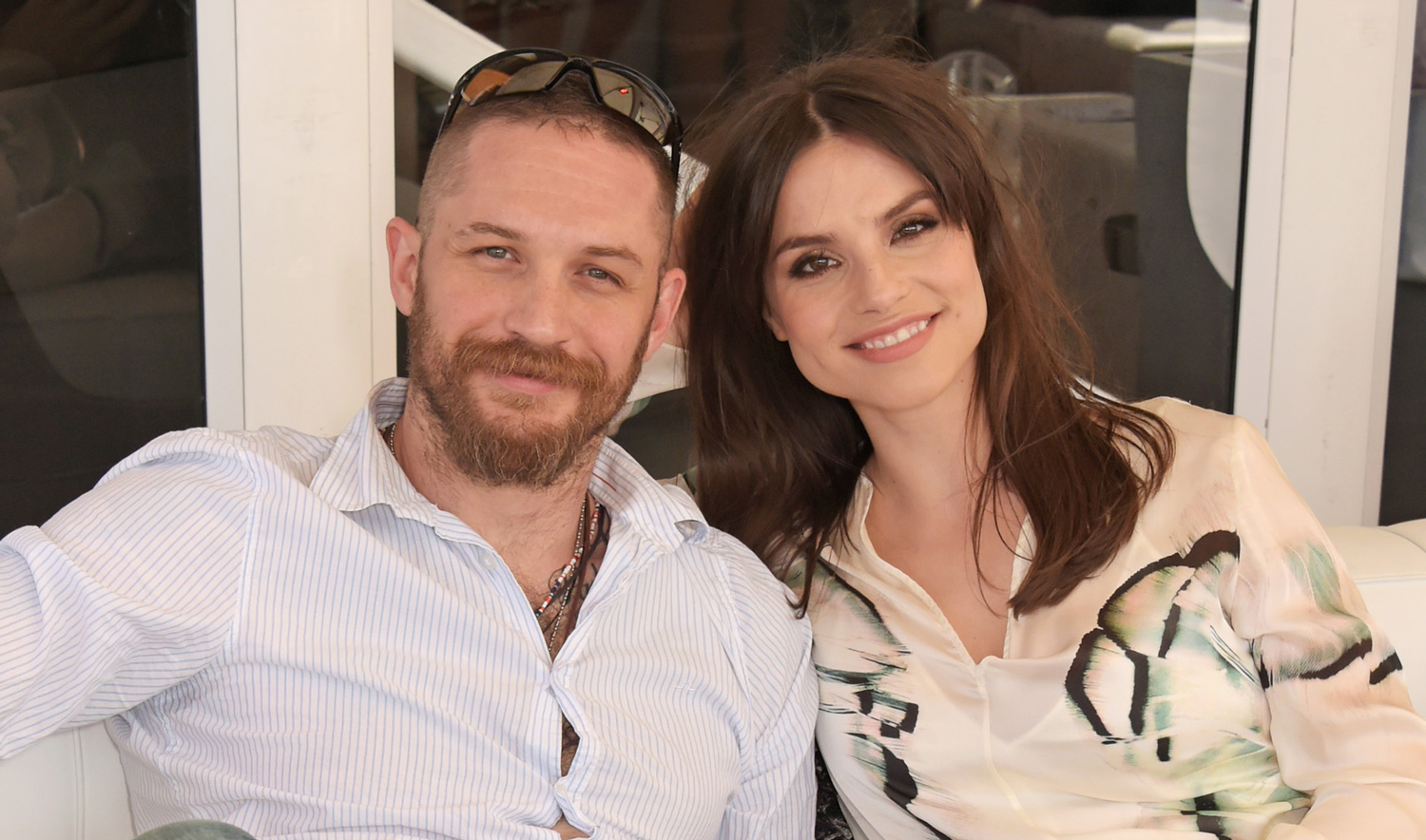 Tom Hardy Amp Wife Charlotte Riley Cozy Up While Watching