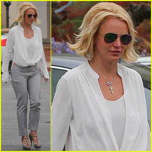 Britney Spears Wants to Babysit Brad Pitt & Angelina Jolie's Kids