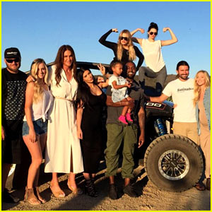 Caitlyn Jenner Posts Father's Day Photo with Her Kids!