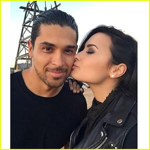 Demi Lovato Joins Boyfriend Wilmer Valderrama's TV Show!