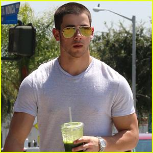 Newly Single Nick Jonas Goes Vintage Car Shopping