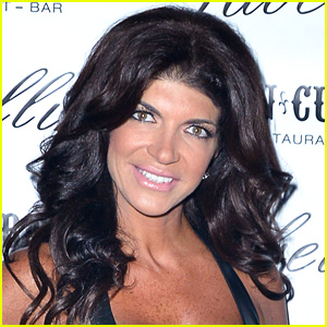 Teresa Giudice Writes Her First Tweet from Prison