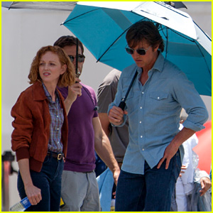 Tom Cruise Teams Up With Jayma Mays for 'Mena' Filming