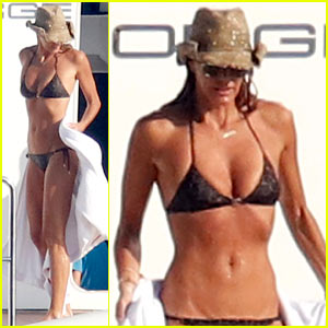 Elle Macpherson's Bikini Body at 51 is Seriously Flawless