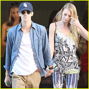 'The Flash' Star Grant Gustin Holds Hands With Girlfriend Hannah Douglass at Comic-Con 2015