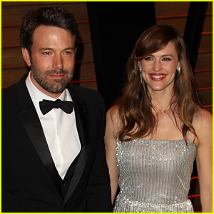 Ben Affleck & Jennifer Garner Are On Vacation with Their Kids After Announcing Split: Report