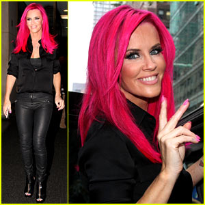 Jenny McCarthy Dyes Her Hair Hot Pink - See Her New Look!