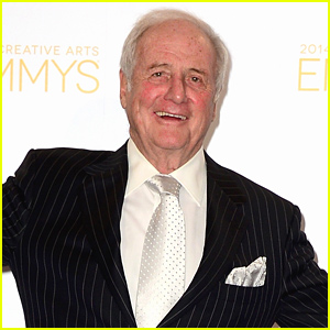 Jerry Weintraub Dead - Hollywood Producer Passes Away at 77