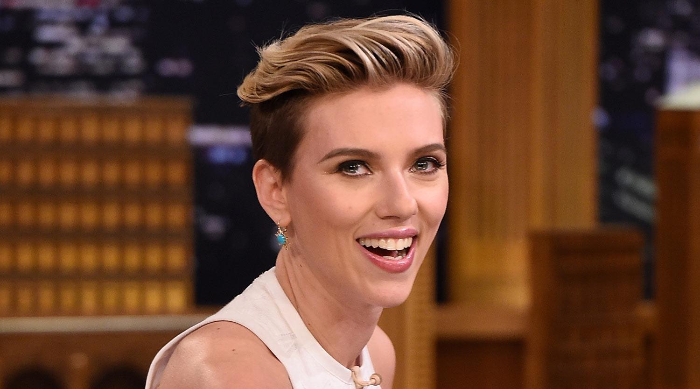 Scarlett Johansson Debuts New Short Red Hair Romain Dauriac Scarlett Johansson Just Jared