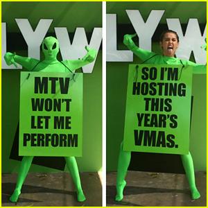 Miley Cyrus to Host MTV VMAs 2015!