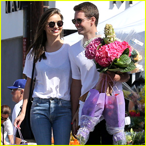 Miranda Kerr & New Boyfriend Evan Spiegel Hold Hands & Look So Happy Together!