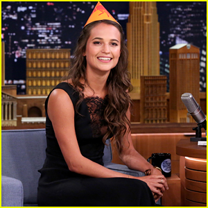 Alicia Vikander Teaches Jimmy Fallon How To Celebrate Sweden's Midsummer Holiday!