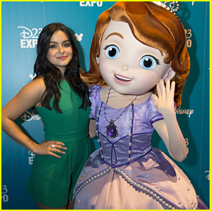 Ariel Winter Makes First Appearance Since Breast Reduction
