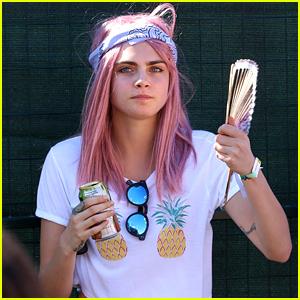 Cara Delevingne Debuts New Pink Hair Color!