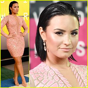Demi Lovato Slicks Her Hair Back For MTV VMAs 2015