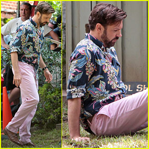 Jason Sudeikis Falls From A Balcony On 'Mother's Day' Set