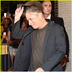 Jon Stewart Leaves Studio After Final 'Daily Show' Taping