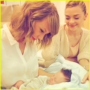 Taylor Swift Dedicates 'Never Grow Up' to Jaime King's Son!