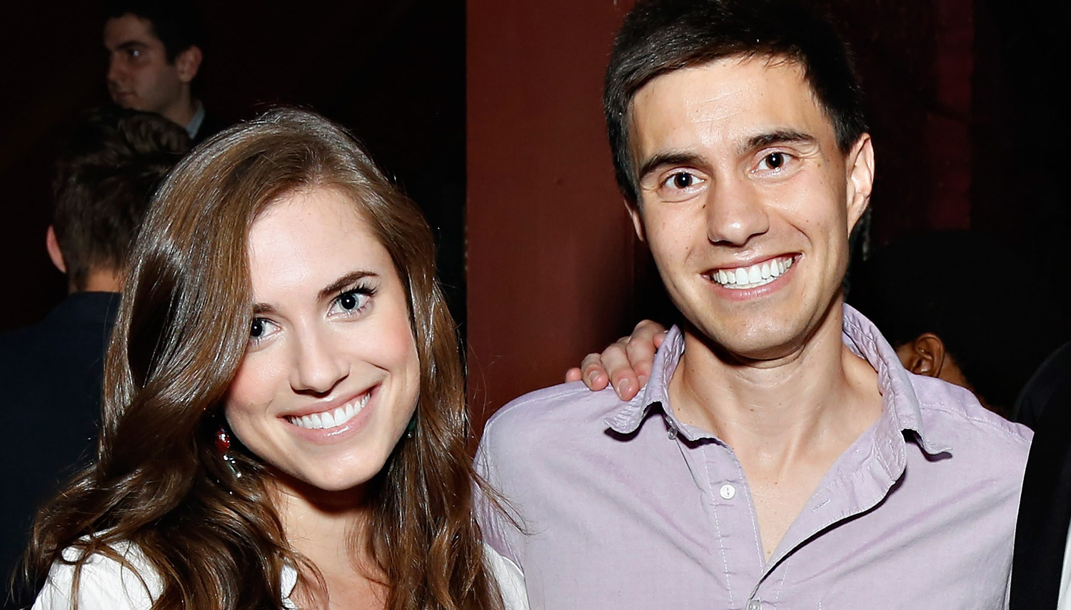 allison williams shares gorgeous photo from her wedding to