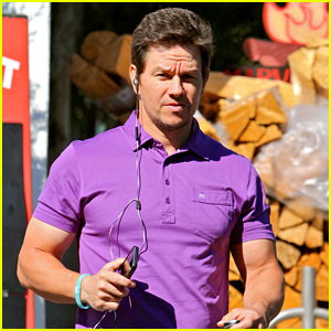 Mark Wahlberg Puts a Pop of Color on His Wardrobe