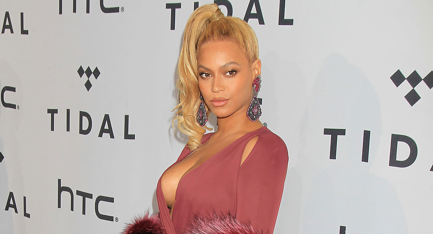 Beyonce Tells Her Red Carpet Fluffer to \'Stop It\' (Video) | Beyonce ...