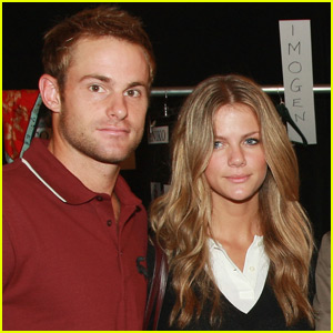Brooklyn Decker & Andy Roddick Name Newborn Son Hank!