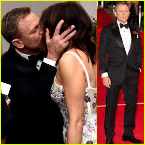 Daniel Craig Kisses Wife Rachel Weisz at 'Spectre' Premiere!