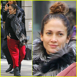 Jennifer Lopez Stuns Sans Makeup In New York City