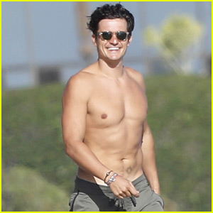 Orlando Bloom Looks Ripped While Shirtless o