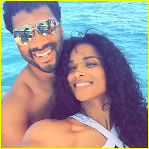 Ciara & Russell Wilson Share Romantic Vacation Photos!