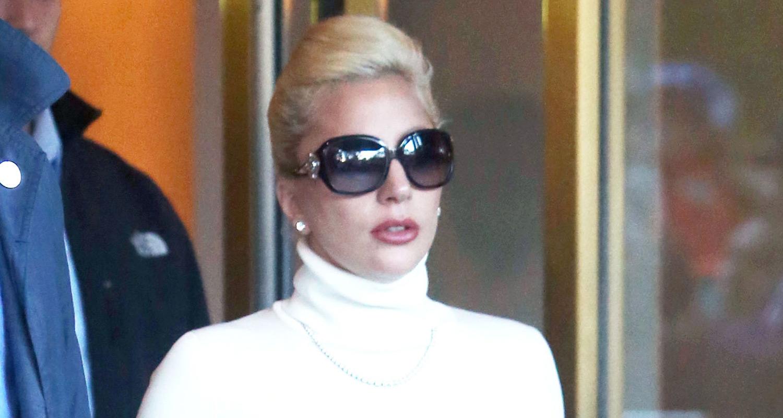 Lady Gaga & Tony Bennett Share Holiday Duet In Barnes