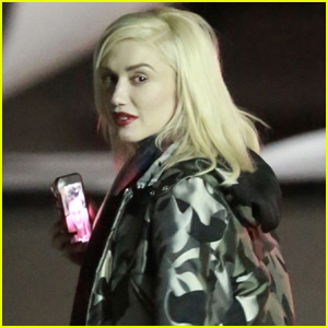 Gwen Stefani Facetimes With Blake Shelton - See the Photos!