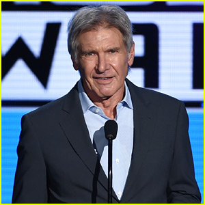 New 'Star Wars: The Force Awakens' Debuts at AMAs 2015 - Watch Now!