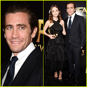 Jake Gyllenhaal Sports Clean-Shaven Look at Hollywood Film Awards 2015