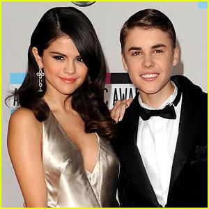'Do Justin Bieber & Selena Gomez Still Communicate?' from the web at 'http://cdn01.cdn.justjared.com/wp-content/uploads/headlines/2015/11/justin-bieber-text.jpg'