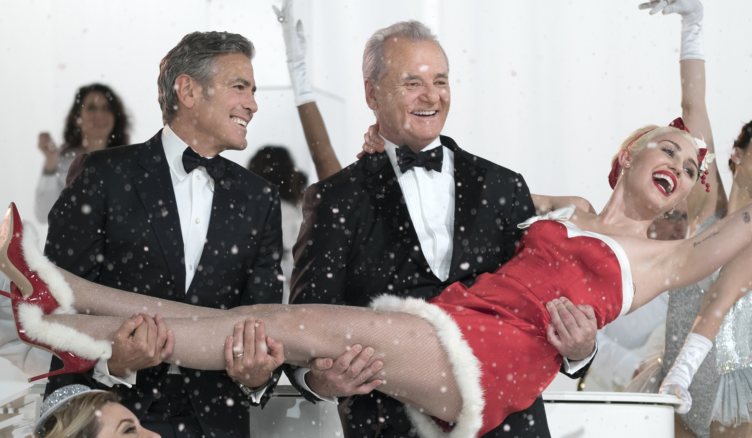 Bill Murray's Netflix Special 'A Very Murray Christmas' Gets a ...