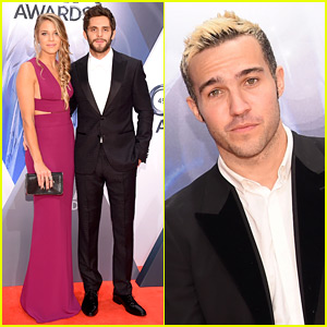 Thomas Rhett & Wife Lauren Gregory Hit the CMA Awards 2015