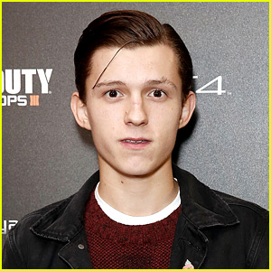 Tom Holland Gives Insight Into Spider-Man in 'Civil War'