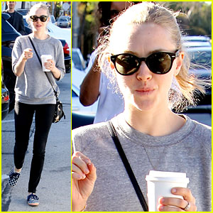 Amanda Seyfried is Casual Chic While Leaving Lunch