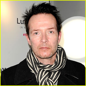 Celebrities React to Scott Weiland's Death - Read the Tweets