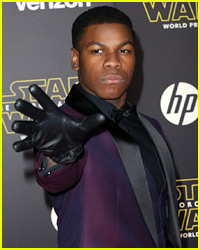 Why Did John Boyega Wear Only 1 Glove to 'Star Wars: The Force Awakens' Premiere?