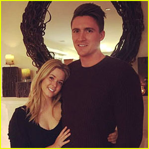 Pretty Little Liars' Sasha Pieterse: Engaged to Hudson Sheaffer!