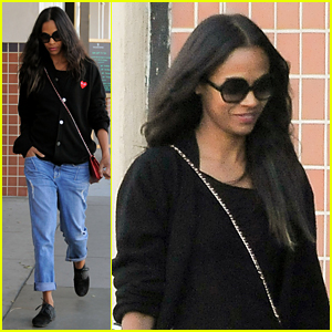 Zoe Saldana Stared At Her Christmas Tree At 5 in the Morning