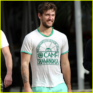 Alex Pettyfer Enjoys a Bro's Weekend in Miami