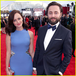 Alexis Bledel Supports Hubby Vincent Kartheiser at SAG Awards 2016!