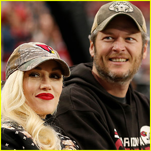 Gwen Stefani & Blake Shelton Have a Super Cute Twitter Exchange!