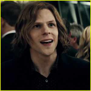 Jesse Eisenberg Introduces Batman & Superman in New 'Dawn of Justice ...